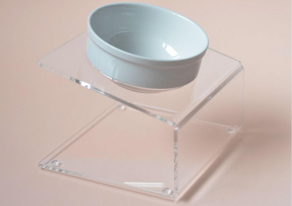 Посуда на подставке